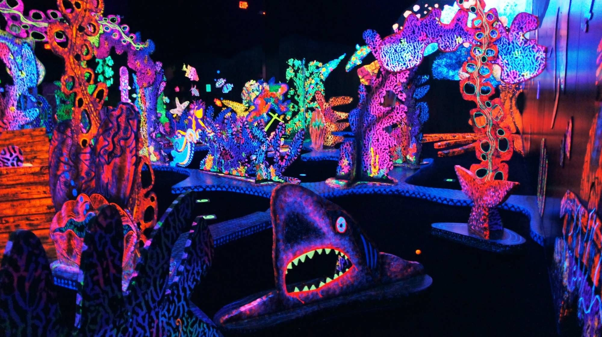 Putting Edge Glow In The Dark Mini Golf At Festival Bay Mall In