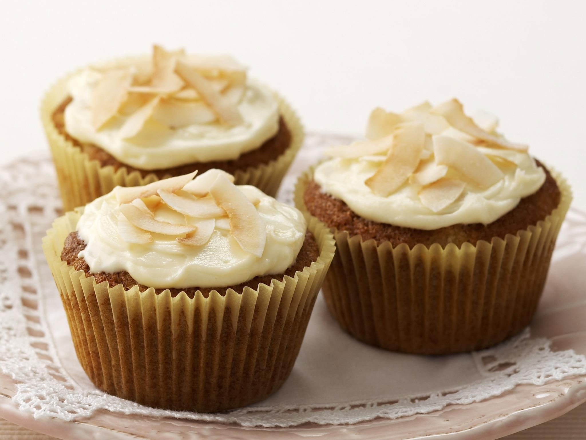 Hummingbird cupcakes, pineapple recipe, brought to you by