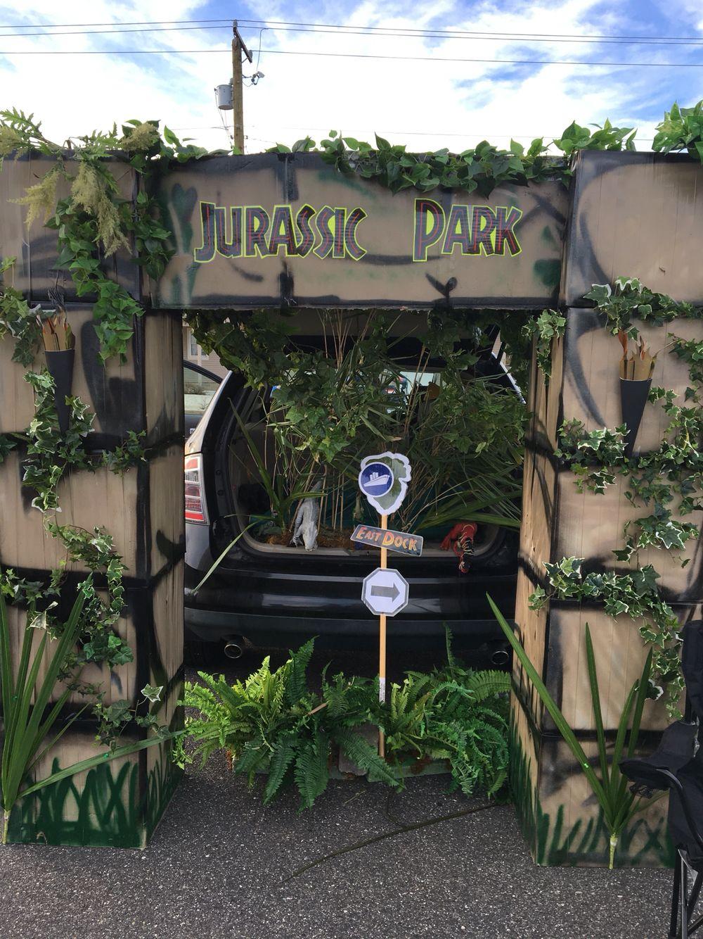 jurassic park theme trunk or treat halloween ideas dinosaur rh pinterest com