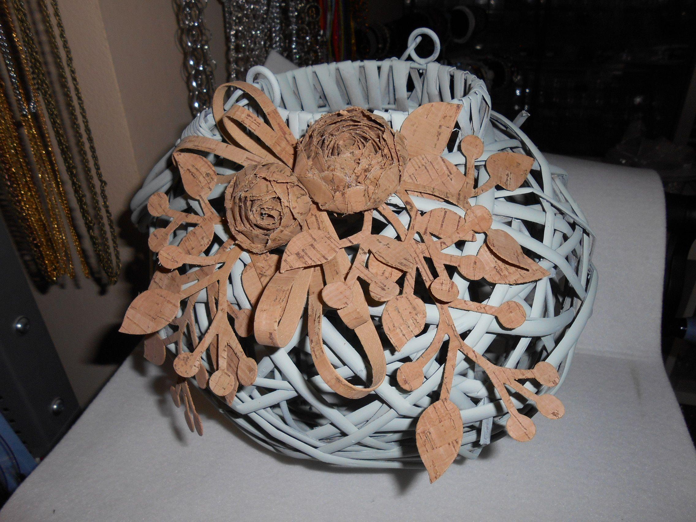 lanterna decorata con sughero