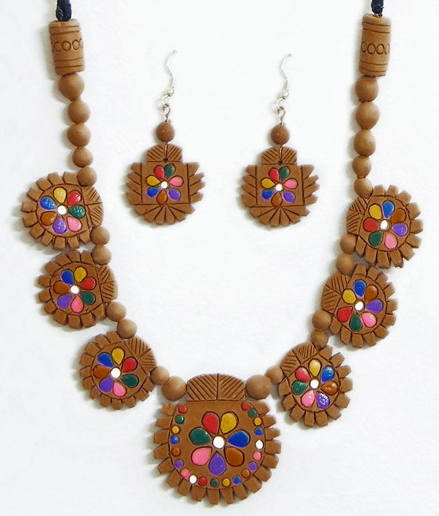 Hand Painted on Light Brown Terracotta Necklace Set (Terracotta)