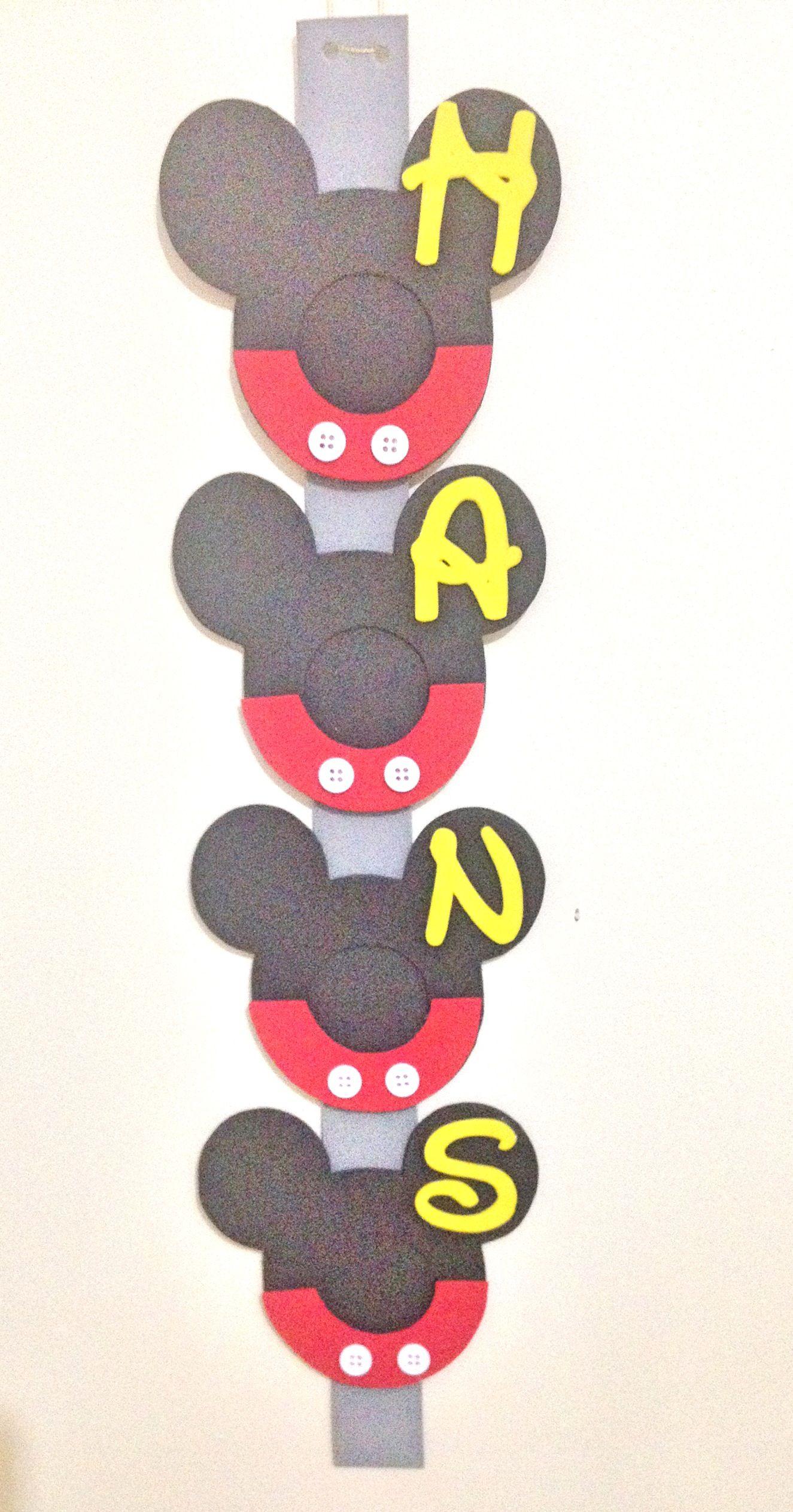 """Sucesión de marcos de Mickey Mouse en goma Eva. Hecho totalmente a mano los puedes encontrar en """"SONYADAS"""""""