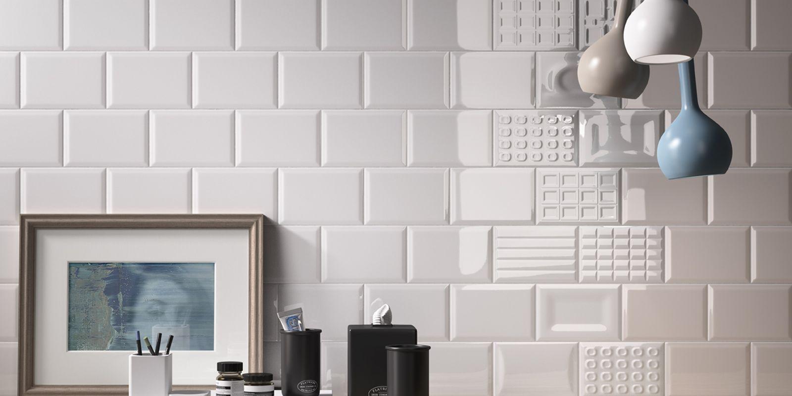 Piastrelle cento per cento bagno moderno ceramica for Piastrelle bagno bianche lucide