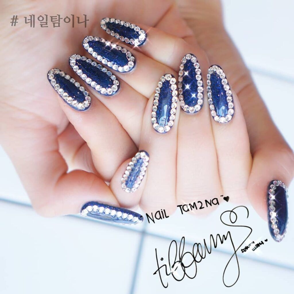 Korean Glamours Winter Nails Art Designs Sapphire blue rhinestone #koreannailart Korean girls have good taste. Would you want to get trendy Korean glamours style nails art degisns for winter? Let's take a look at the latest Korean winter nail design. Try this Korean Glamours Winter Nails Art Designs Sapphire blue rhinestone! #autumnnails #winternails #nailsdesigns #nailart #inspo #гвоздь #Uñas #weddingnails #koreannailart