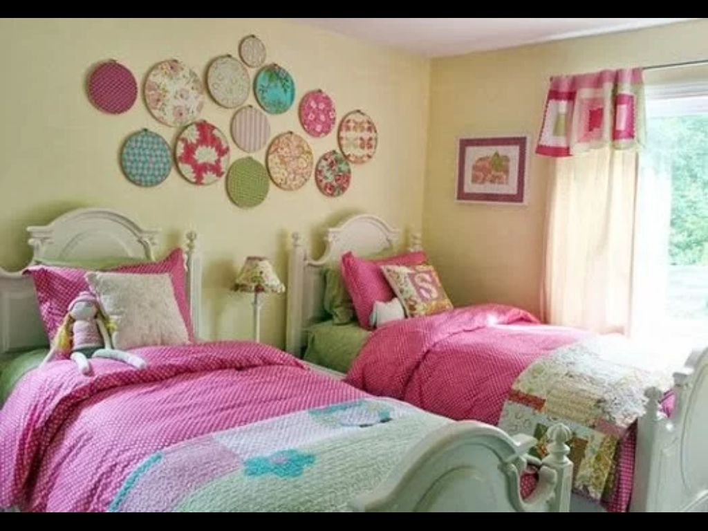 Embroidery Hoop Wall Art And Little Girls Room Inspiration    Hope I Can  Give My Girls A Room Like This One Day! I Love The DIY Wall Art!