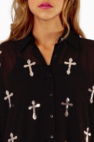 Cruces | Camisa con cruces, ¿en qué ocasión la usarías?