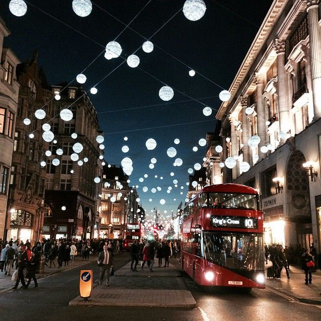 Oxford Street looking beautiful tonight! London sparkles this time of year. #WEloveLondon #christmaslights #oxfordstreet #bestcityintheworld #London