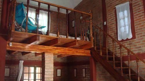 Gradas de madera para subir a un altillo buscar con - Altillos de madera ...