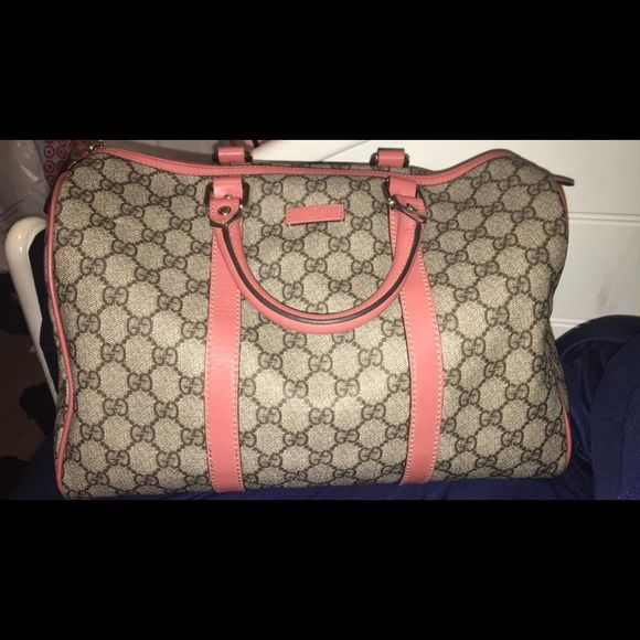 Authentic gucci purse ! Peach limited edition purse , will trade for Louis Vuitton speedy purses , Gucci Bags Totes