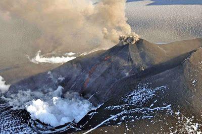 Erupcja wulkanu #Veniaminof z powietrza #volcano