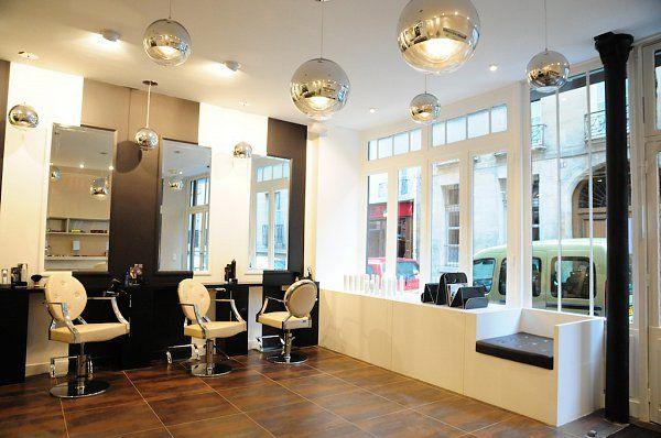 Salon De Coiffure Au Design Industriel Tony Lemale Interieurs Decoration Petit Salon Salon De Coiffure Design D Interieur De Detail