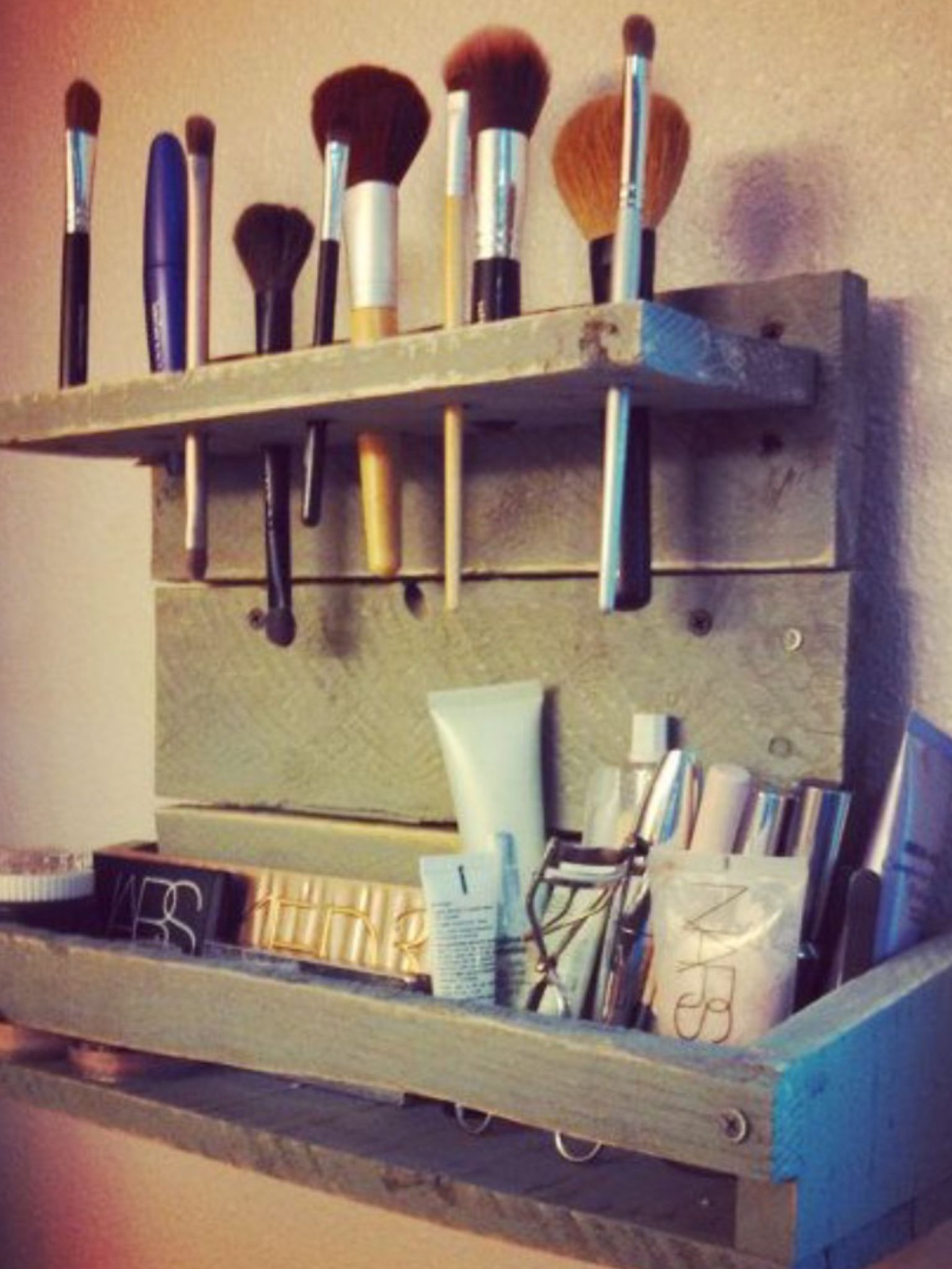 Makeup Holder Pallet Diy Diy Vanity Make Up Organiser