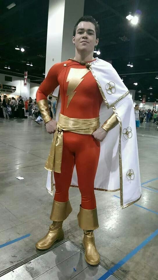 Shazam Marvel Cosplay Superhero Cosplay Dc Cosplay Air force pilot whose dna was accidentally fused with a kree, which imbued her with superhuman strength, energy projection, and flight. shazam marvel cosplay superhero