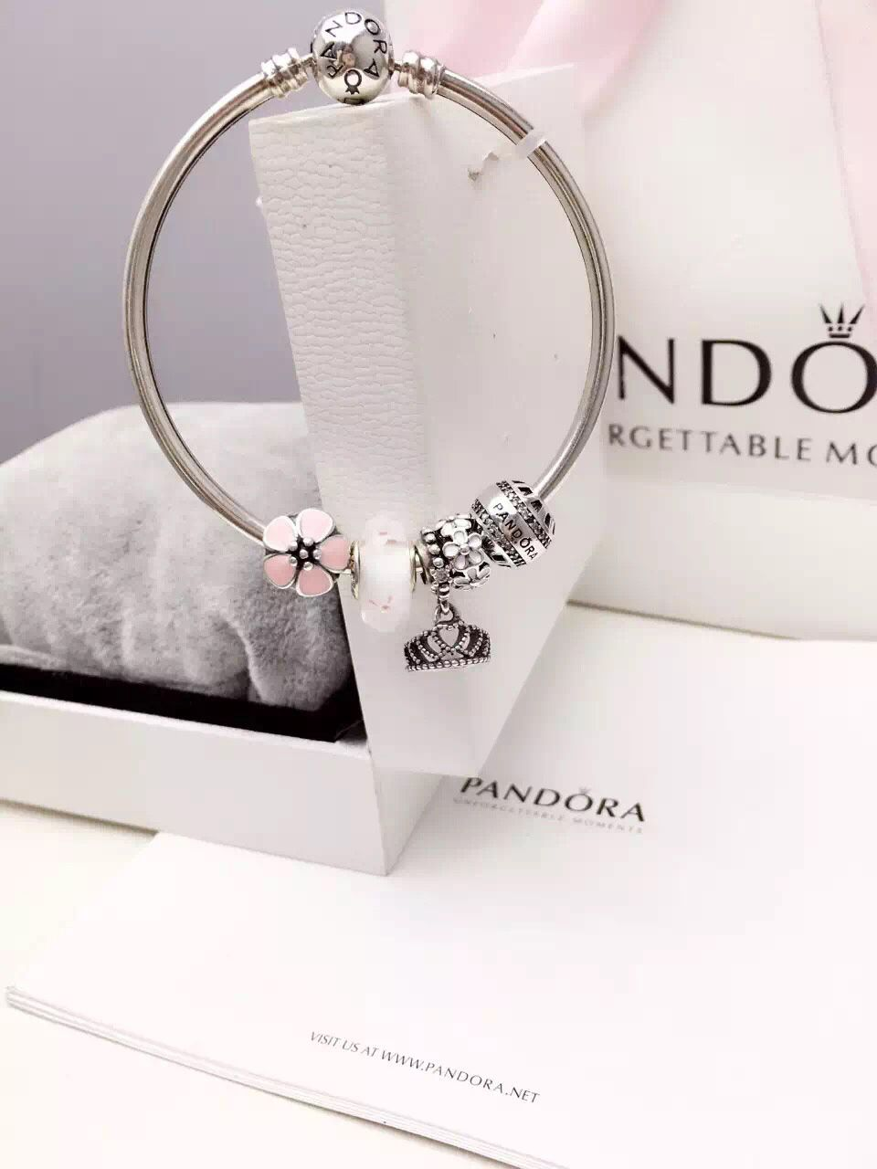 50 off 159 pandora bangle charm bracelet pink white. Black Bedroom Furniture Sets. Home Design Ideas