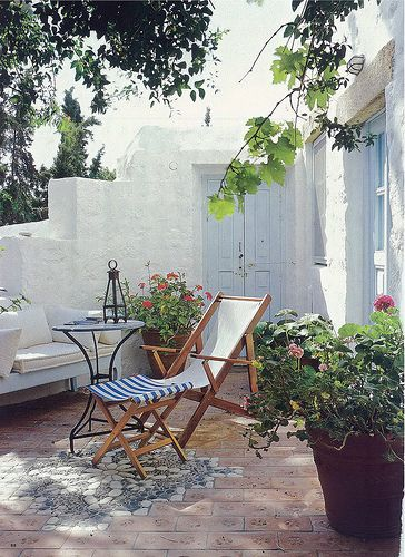Santorini Patio Furniture: Country Living Magazine