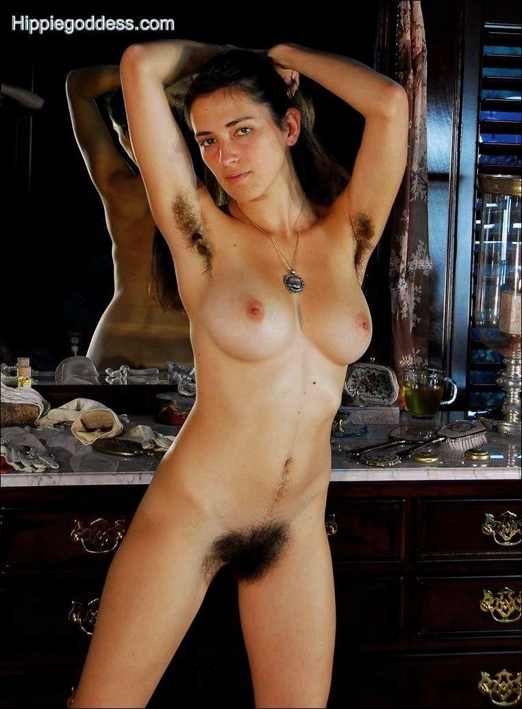 Yet eliziabeth banks naked