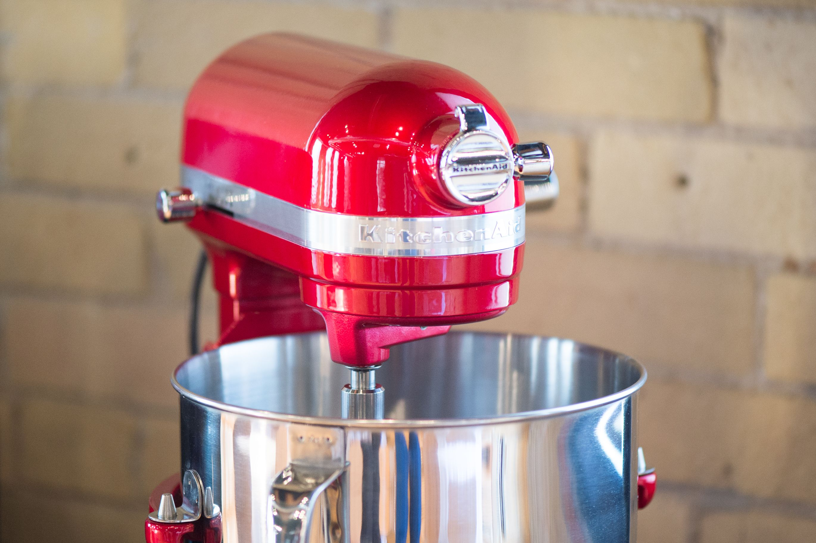 Impress your guests with the kitchenaid pro line series