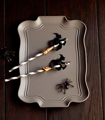 Sip some sweet potion with these witchy toppers. (via Confetti Pop) | Sweet Tooth blog
