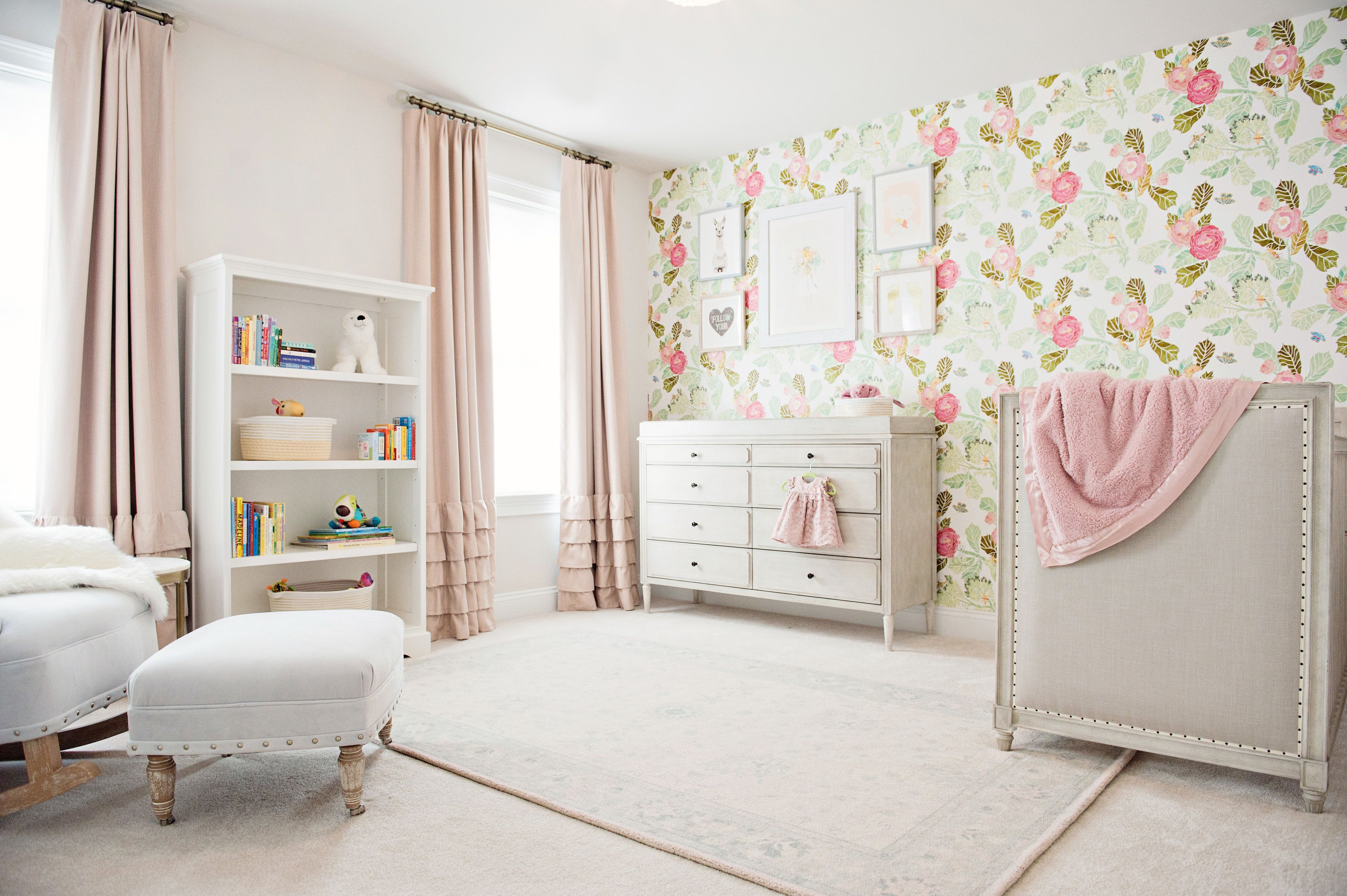 Floral Wallpaper Nursery (With images)   Nursery wallpaper ...