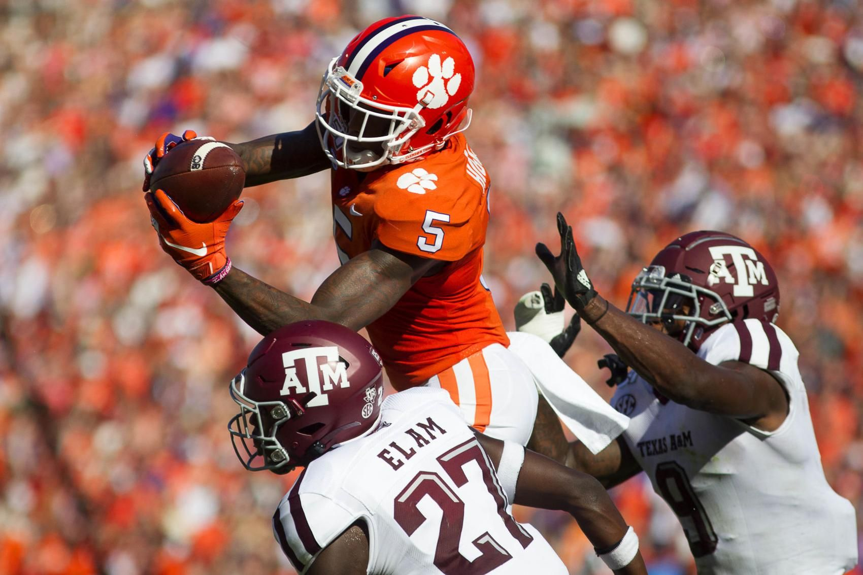 No. 1 Clemson downs No. 12 A&M for 17th straight win