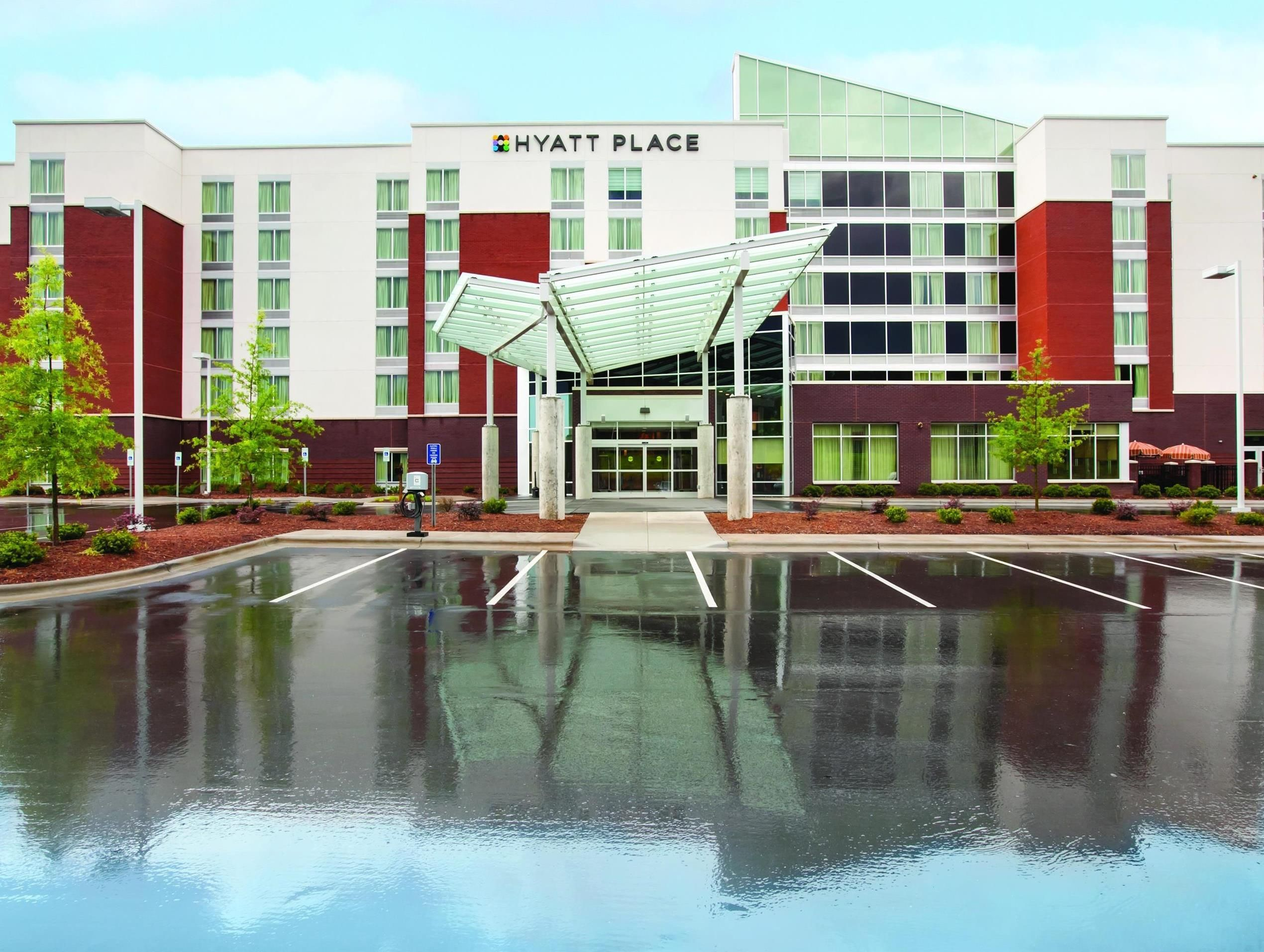 Hyatt Place Raleigh West North Carolina This Hotel Is Located Off Interstate 40 Exit 290 Just Km From State