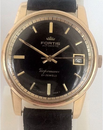 aa0174718002 Pin de Style Affairs en The Watch Room