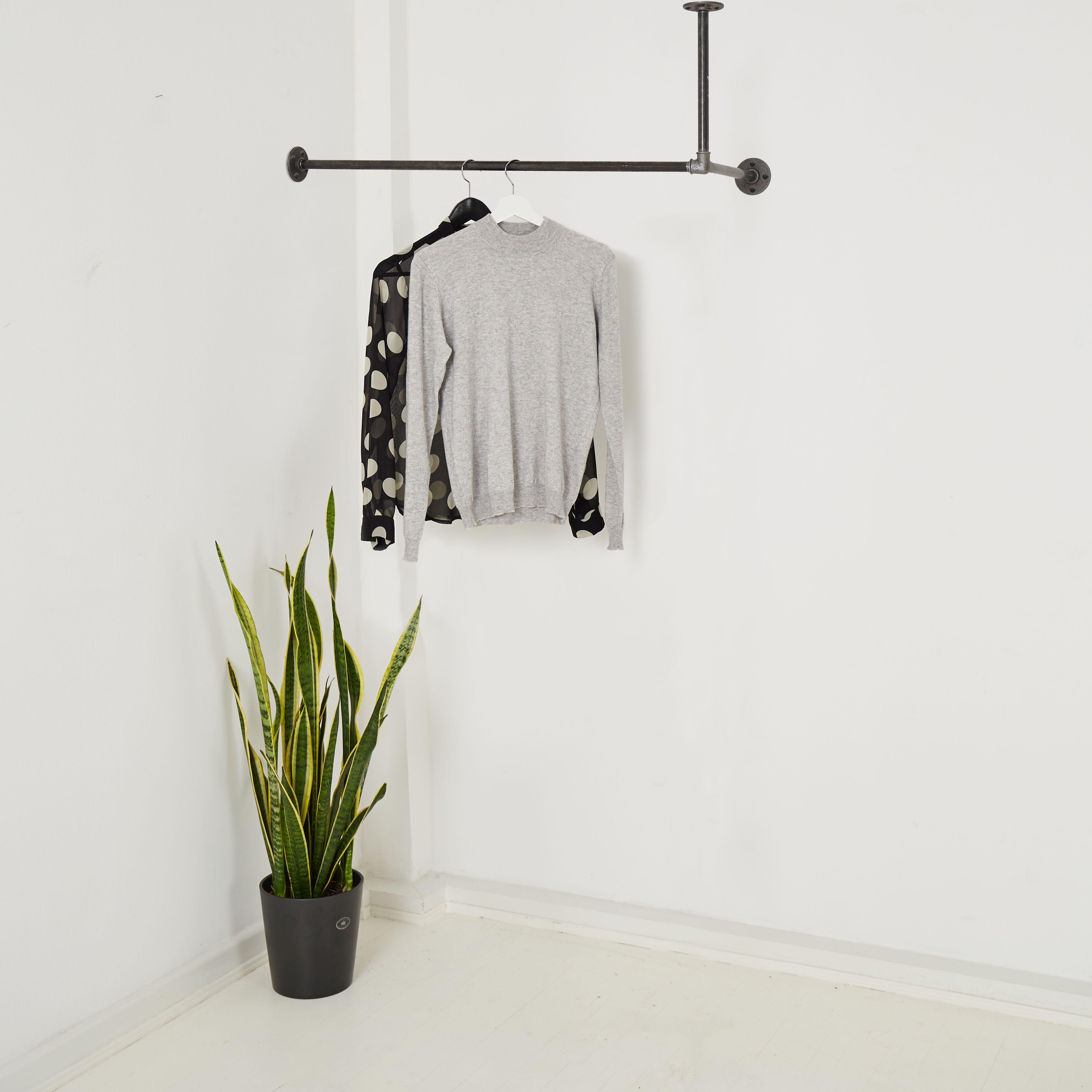 Industrial Design Garderobe Fur Deckenmontage In L Form Hangin Two