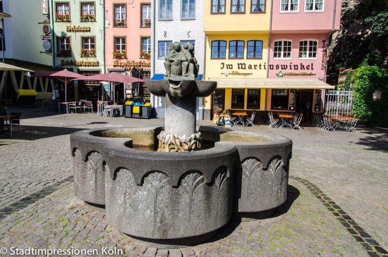 Brunnen Auf Dem Fischmarkt Koln Fountain Wishing Well Cologne Germany