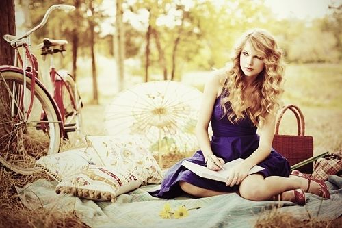 I love writing outside. And I love her music. Swift Forever <3