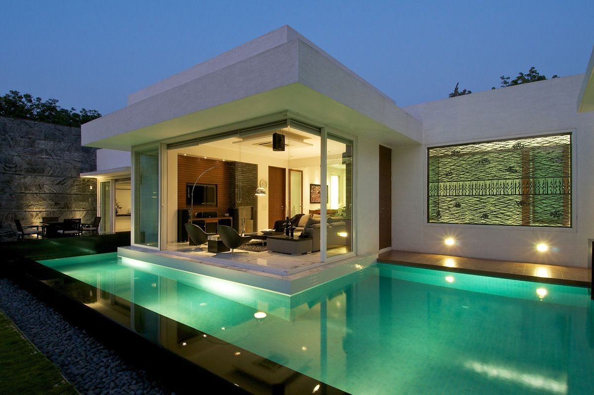 Minimalist Bungalow In Baroda India By Atelier Dnd Bungalow Design Architecture House Modern House Design