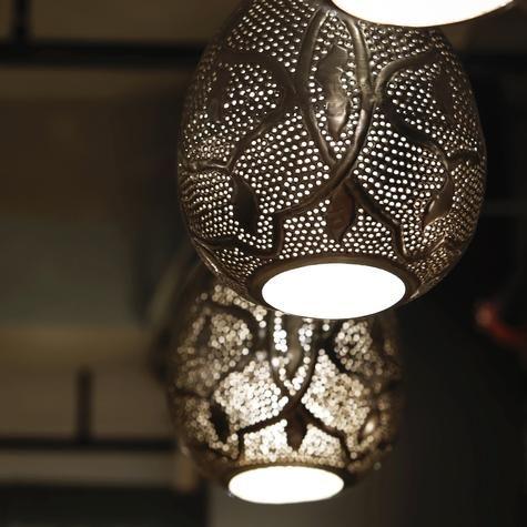 Teardrop shaped hanging metal lamp artemano