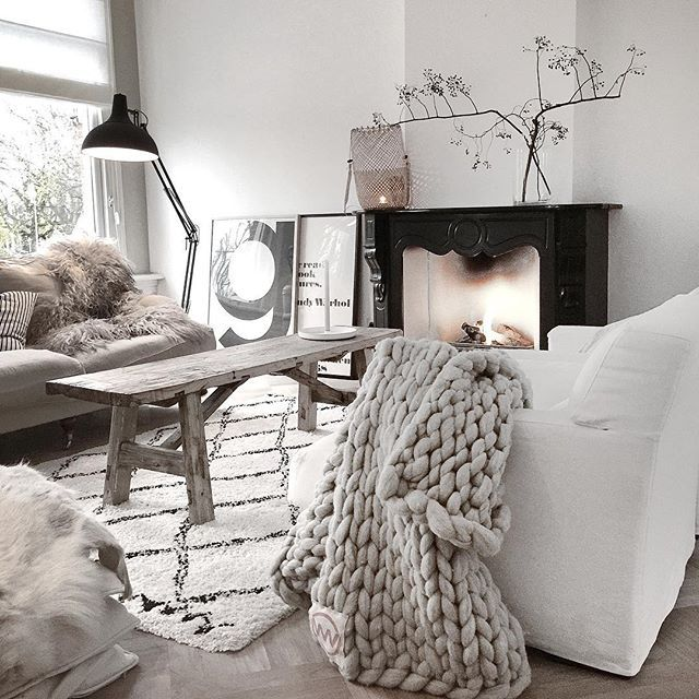 This is just what I would want for my beach house! It still feels minimalist but has enough rustic warmth to feel like a holiday...