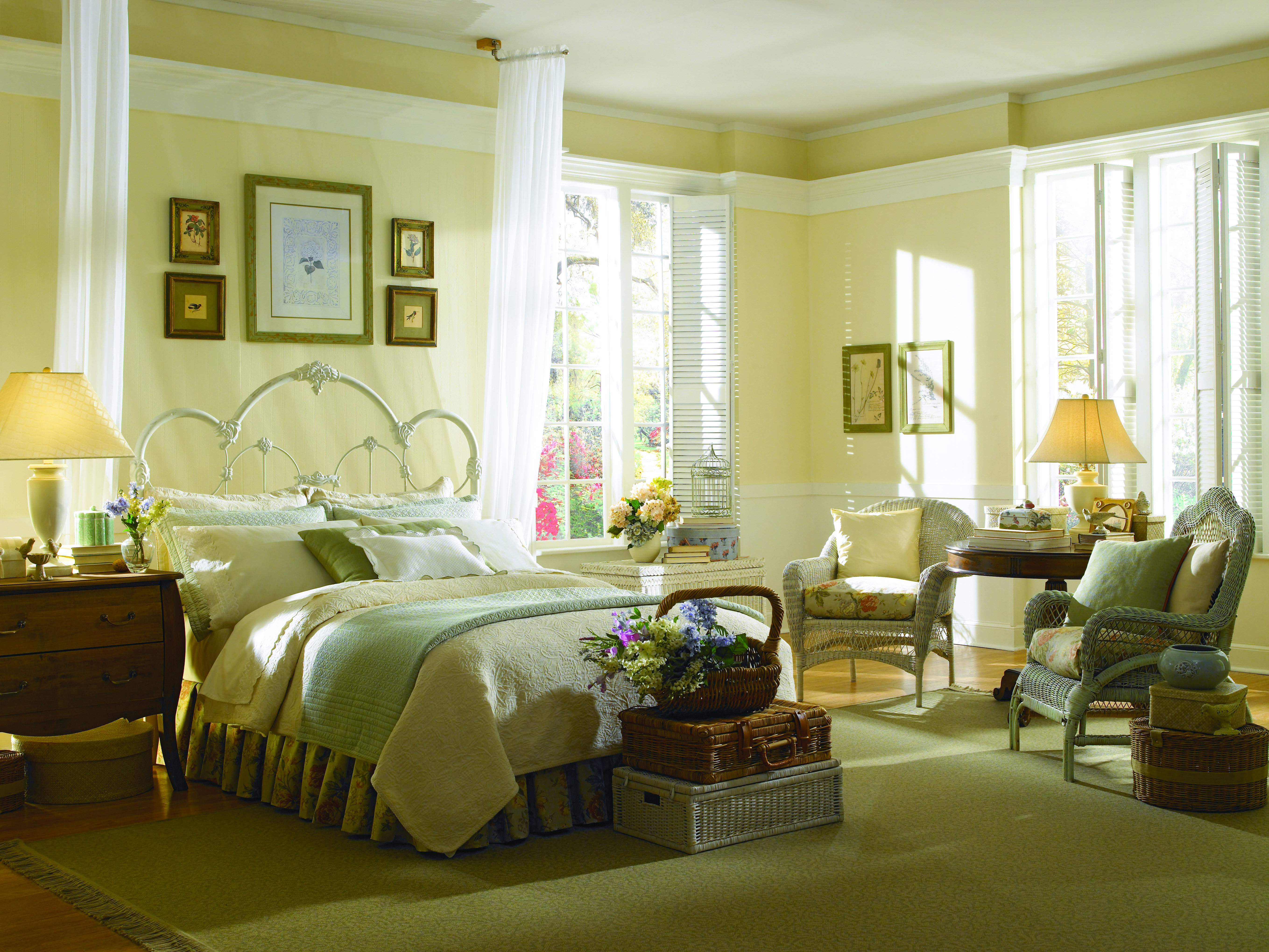See the Top Yellow Paint Colors That Every Home Needs