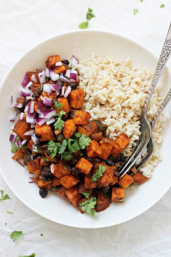 This simple sweet potato & black bean enchilada stir-fry is an excellent weeknight meal! 35 minutes, packed with flavor and easy to customize!