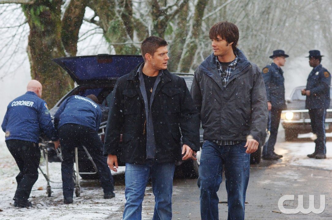 Supernatural Season 1 Episode 12 - 'Route 666' Pictured (l-r): Jensen Ackles as Dean Winchester, Jared Padalecki as Sam Winchester Credit: © The WB/Sergei Bachlakov