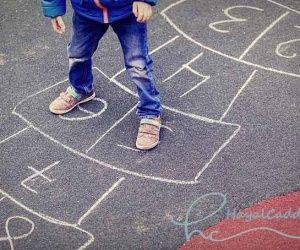 Küçükken Yapmaktan Zevk Aldığımız, Fakat Büyüyünce Aklımıza Bile Gelmeyen Şeyler | Hayal Caddesi