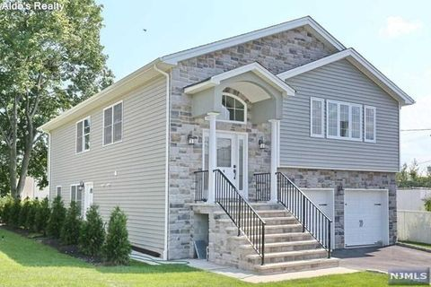 4 Chamberlain Ave Elmwood Park Nj 07407 Renting A House Rental Apartments Apartment