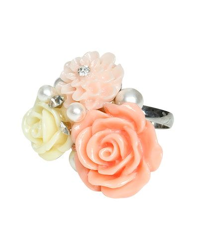 Pastel Flower Cluster Ring from WetSeal.com