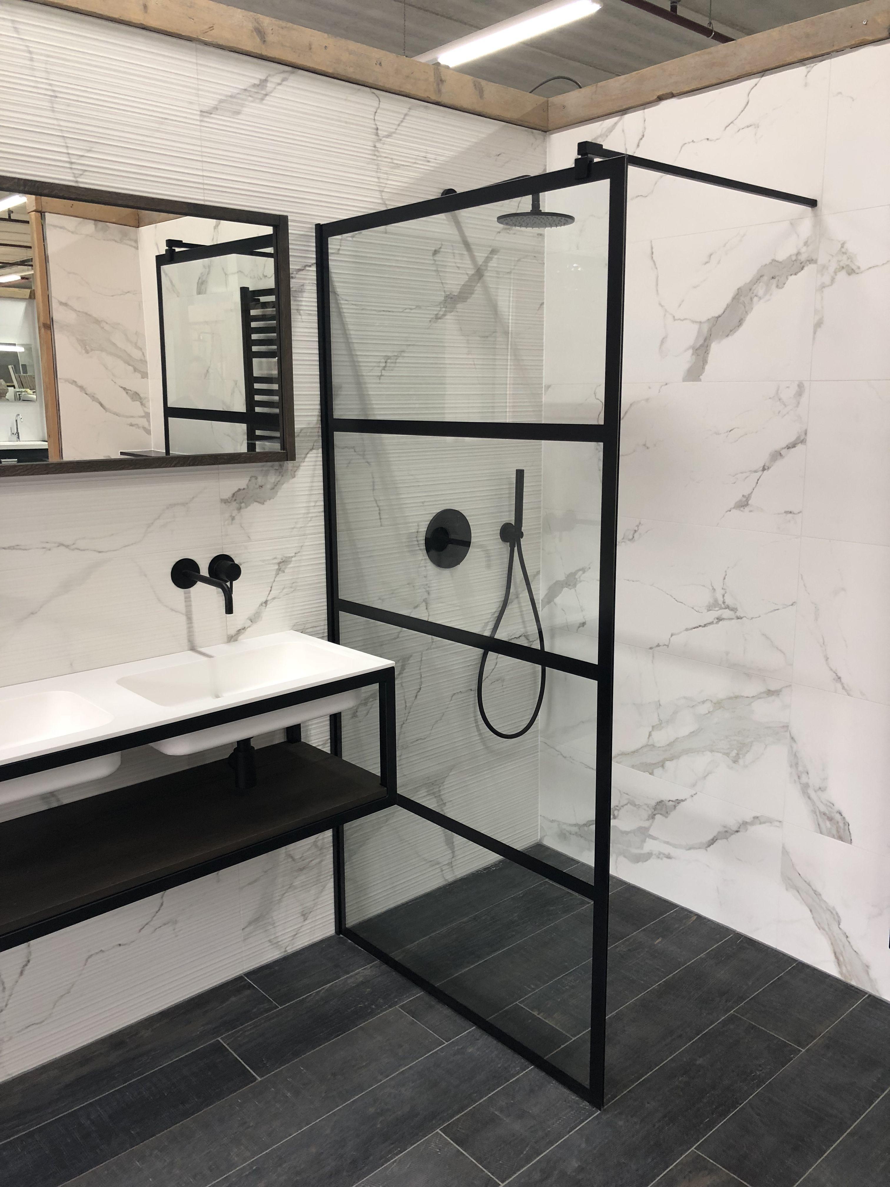 Statuario tegels taats design douche wand en xenx mat for Matte tegels