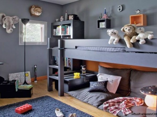 graues hochbett im kinderzimmer bett design 24 super. Black Bedroom Furniture Sets. Home Design Ideas