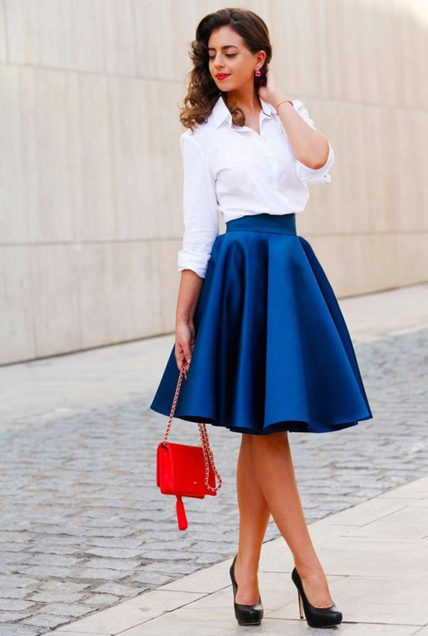 f1de7ada8 Conjunto falda azul eléctrico y camisa blanca #misconjuntos ...