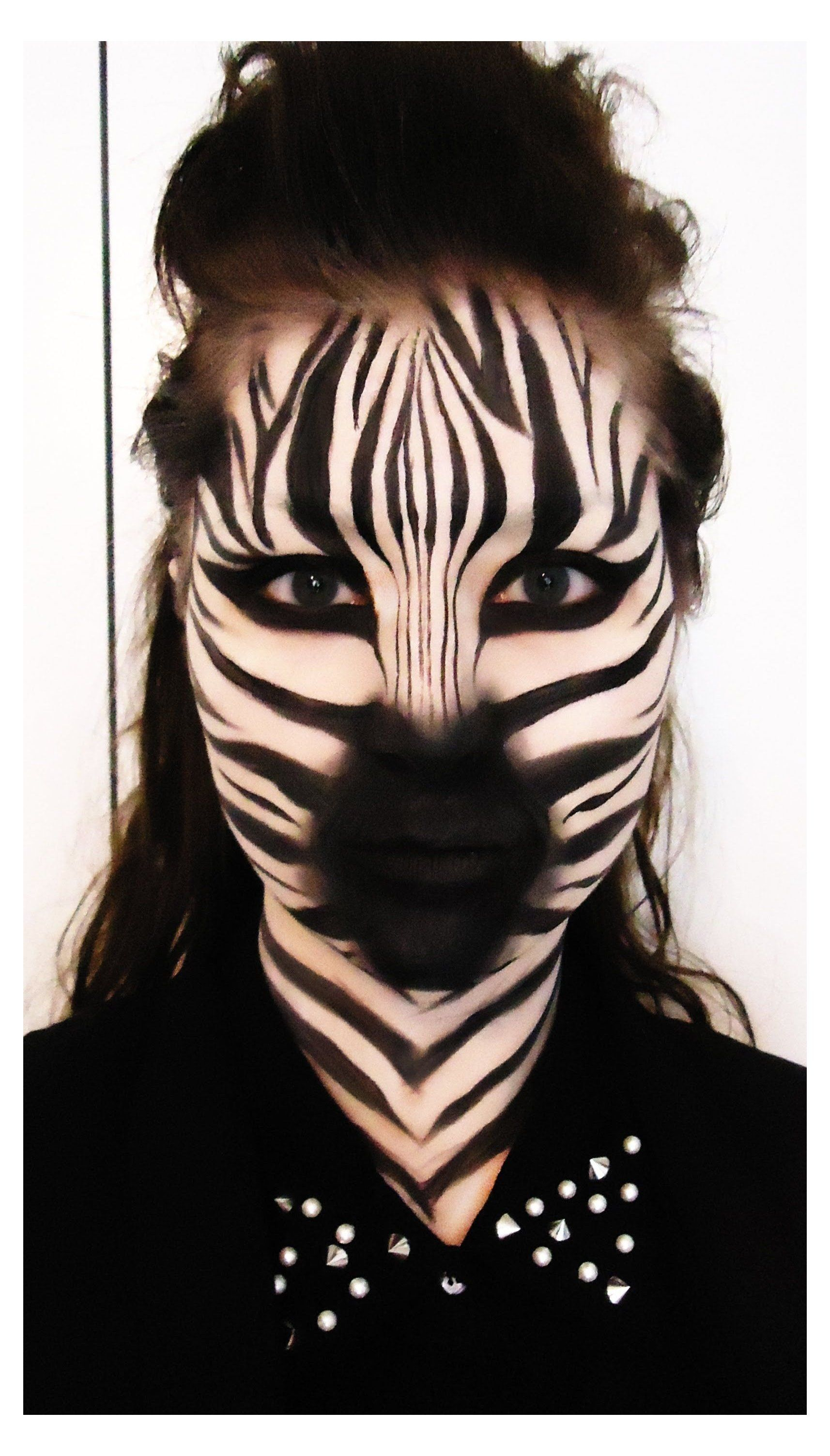 Zebra Makeup Tutorial Zebra Makeup Face Make Up Zebra Products Used Mac Pure White Chromacake 2020 Cadilar Bayrami Makyaji Hayvan Makyaji Kostum Makyaji