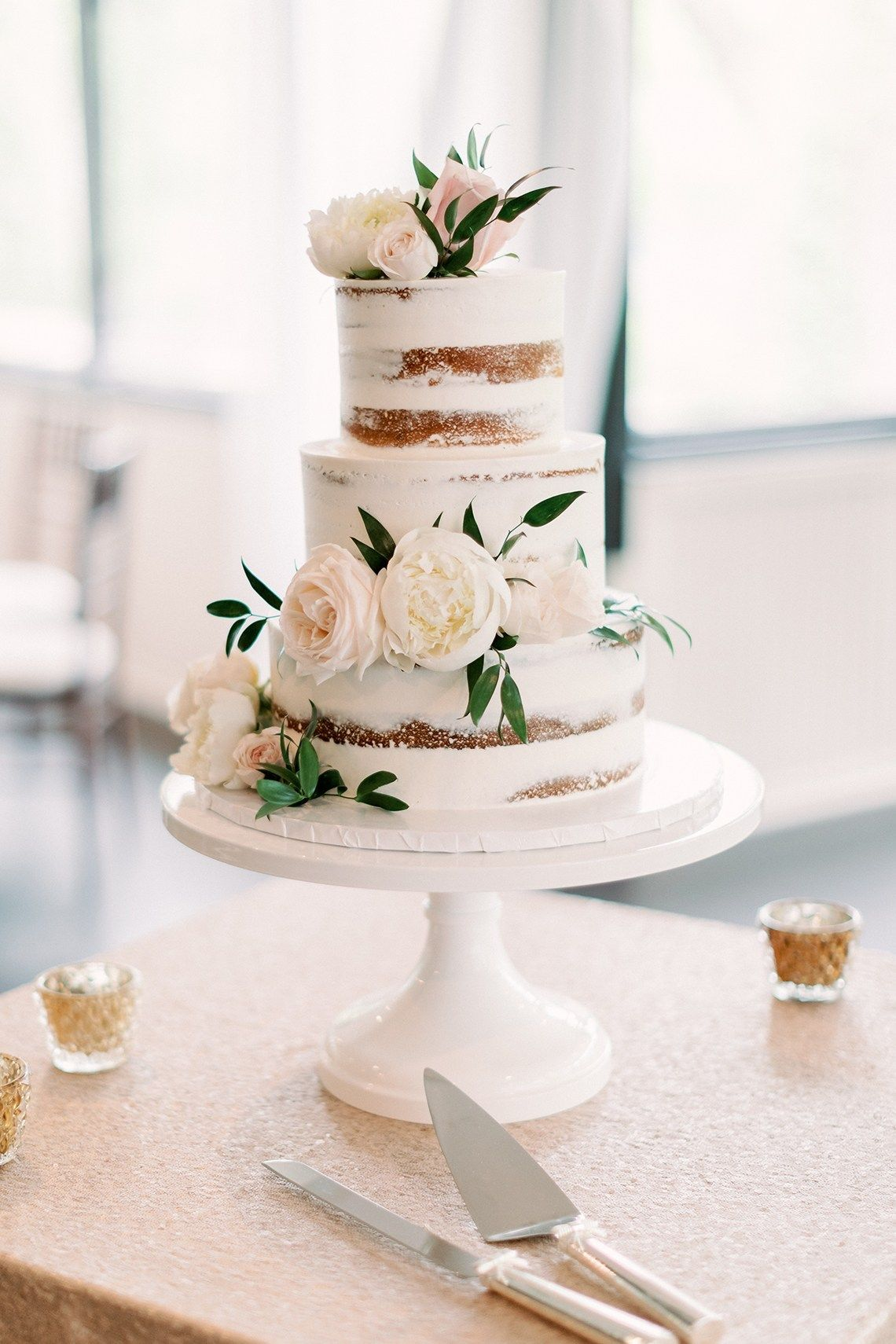 28 Trendy Summer Wedding Cakes that Speak to the Season