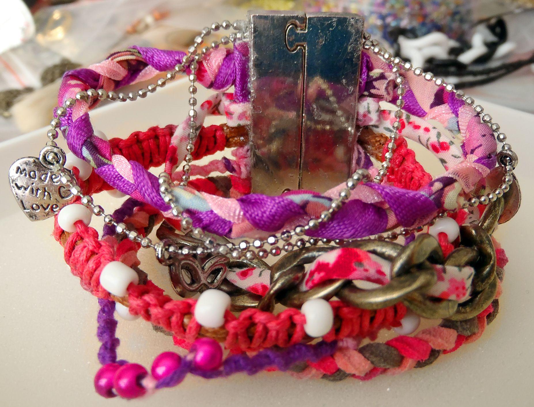Bracelet manchette violet rose