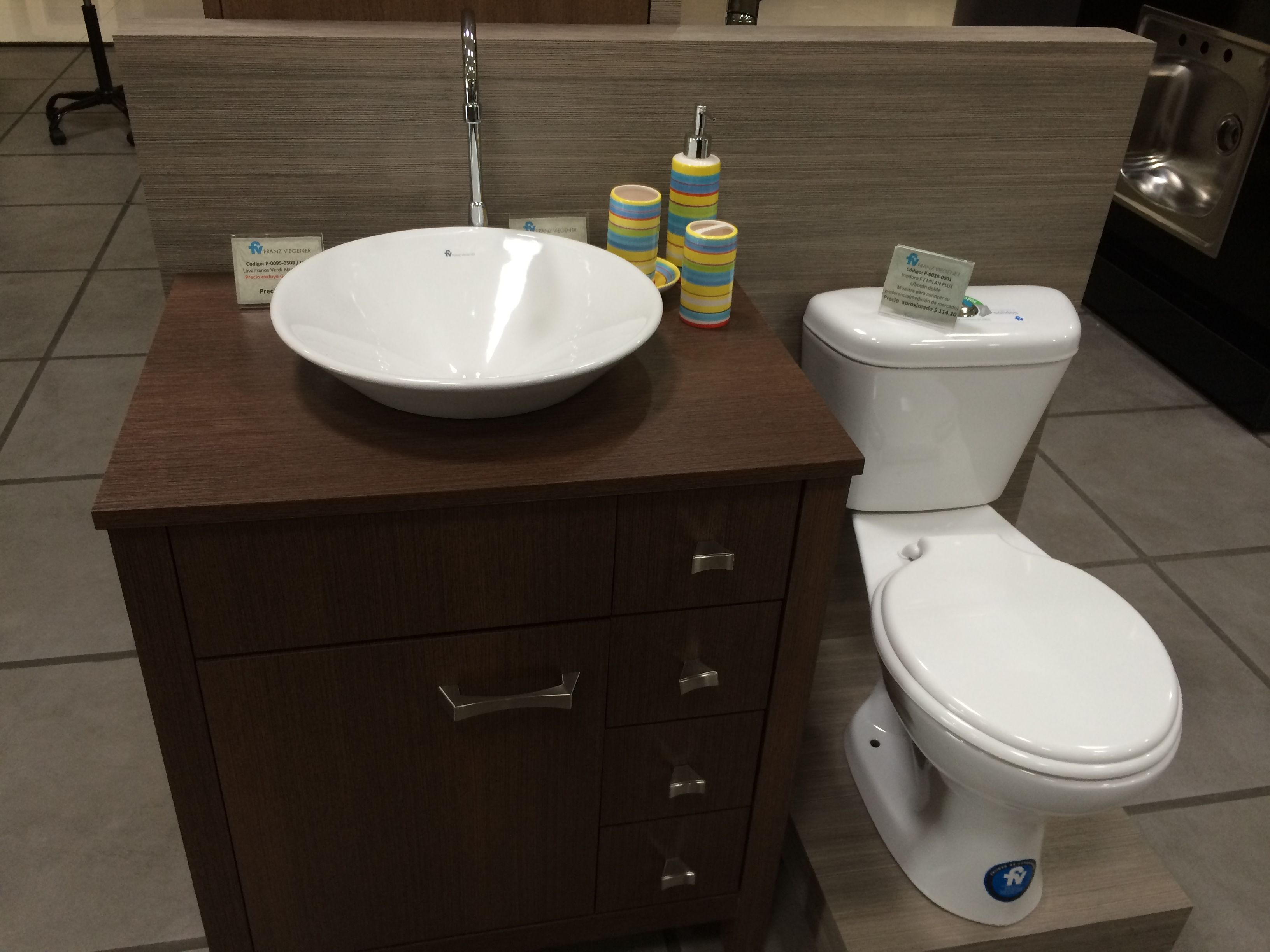 Otra idea de u moderno mueble de ba o adem s tandor - Banos sencillos y modernos ...