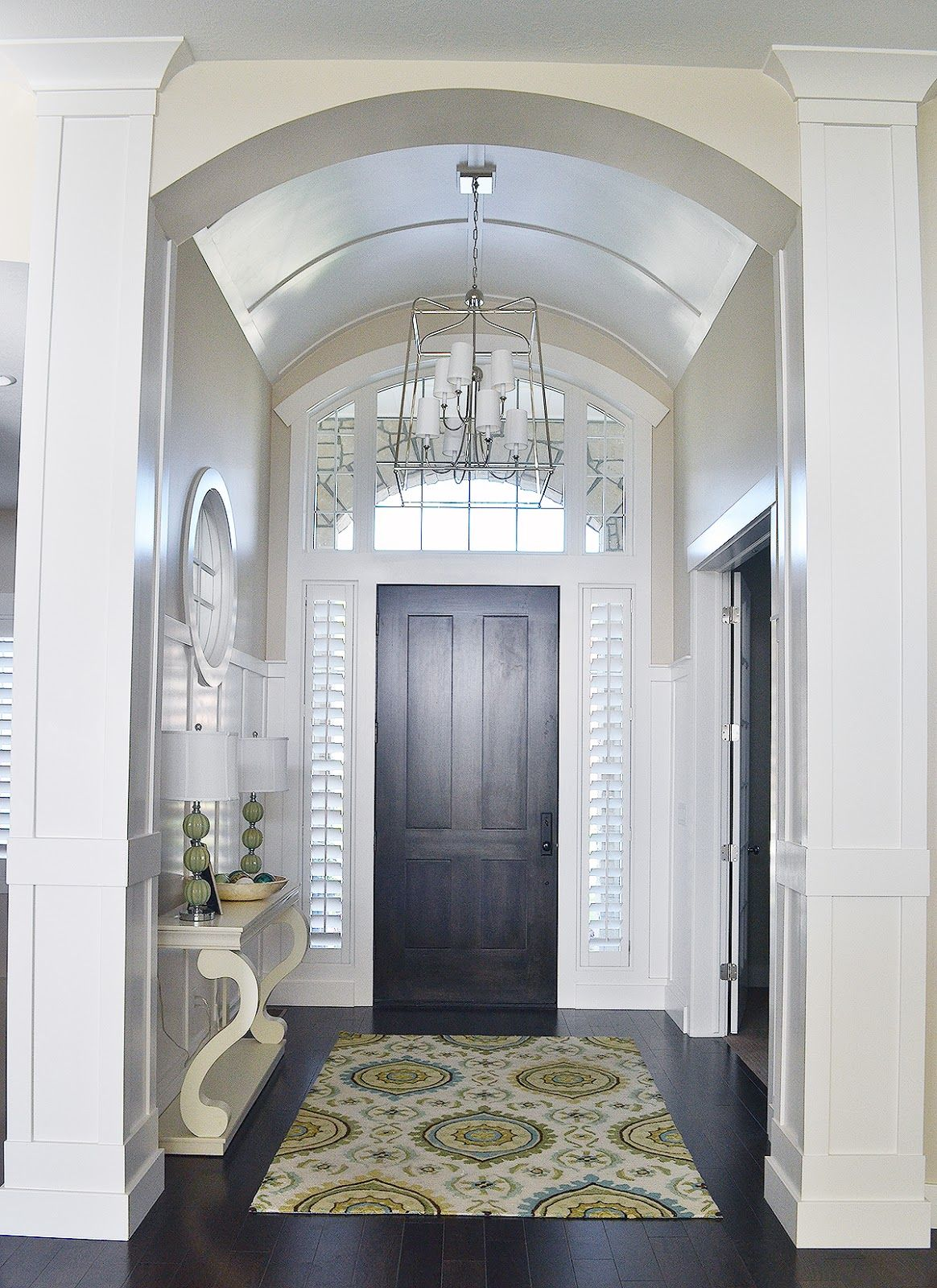 Sita Montgomery Interiors: S T A I R S + E N T R Y In