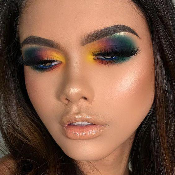ᴘɪɴᴛᴇʀᴇsᴛ : @Dʀ3ᴀᴍDᴏ11 🌸 – Simple eye makeup