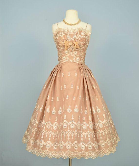 fc547bfc44 Vintage 1950s Wedding Dress...LORD   TAYLOR Tea Length Wedding Dress Party Dress  Prom Small