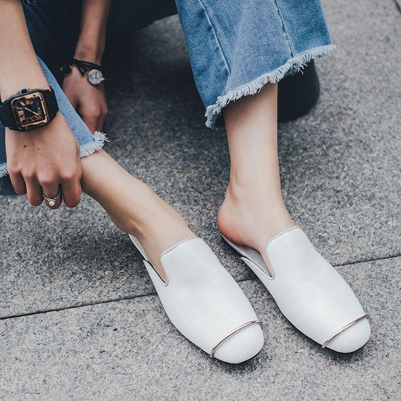#chiko #chikoshoes #shoes #fashion #fashionable #style #lookbook #2017 #fall #winter #autumn #new #best #streetstyle #chic #trendy #streetfashion #mules #slipon #metal #flats #white