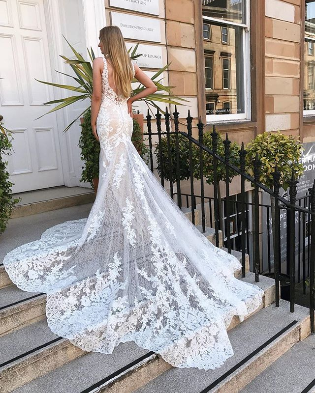 Stunning Lace Wedding Gown With